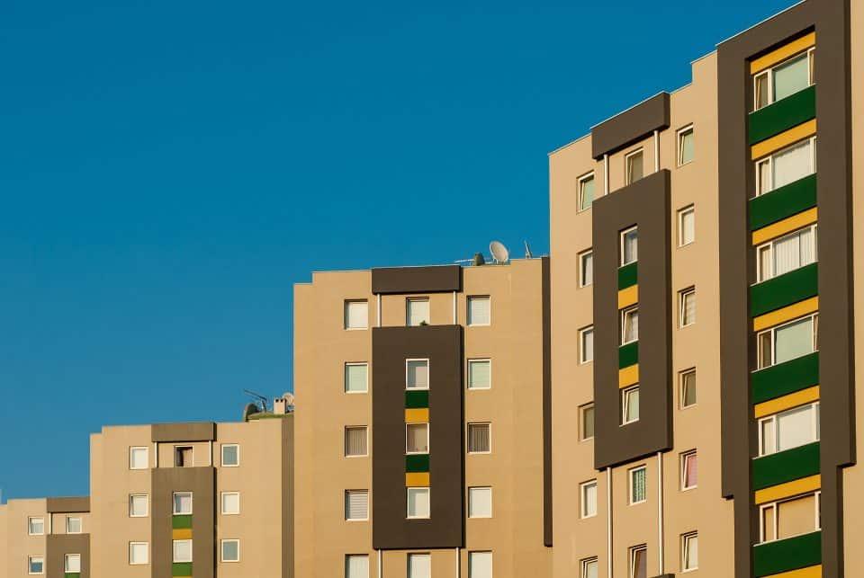 patio_comunitario_limpieza_edificios