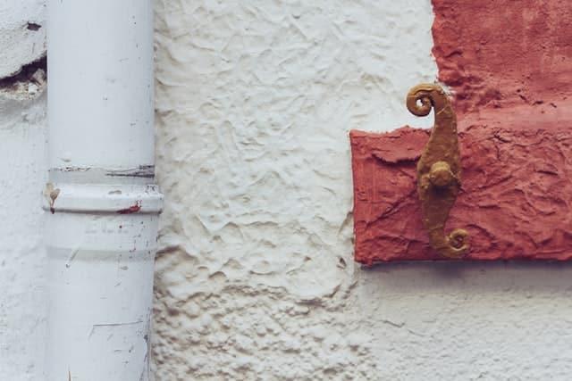 muro-ladrillos-limpieza-pintura-megaservice-madrid