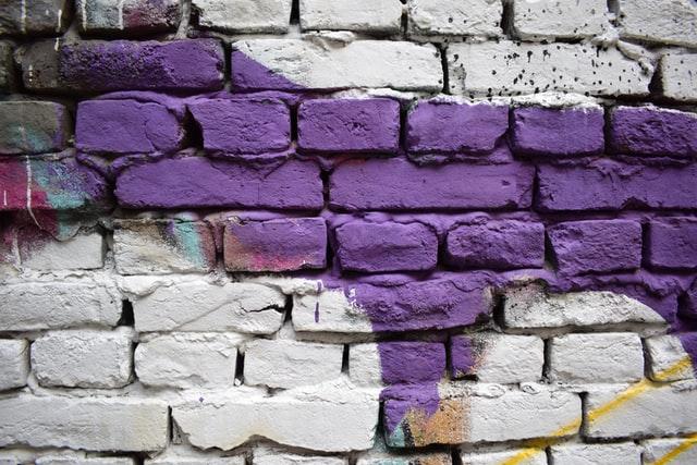 muro-ladrillos-pintura-quitar-megaservice-limpieza